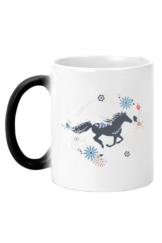 Kubek magiczny Piękny Galopujący Koń
